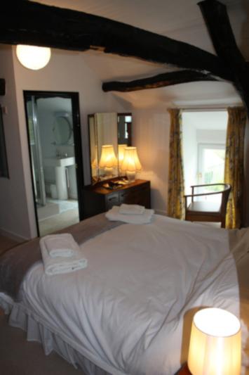 Bedroom to ensuite at the Old Vicarage, Llangeler